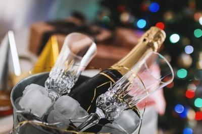 Stilige omgivelser må ha stylede champagneglass