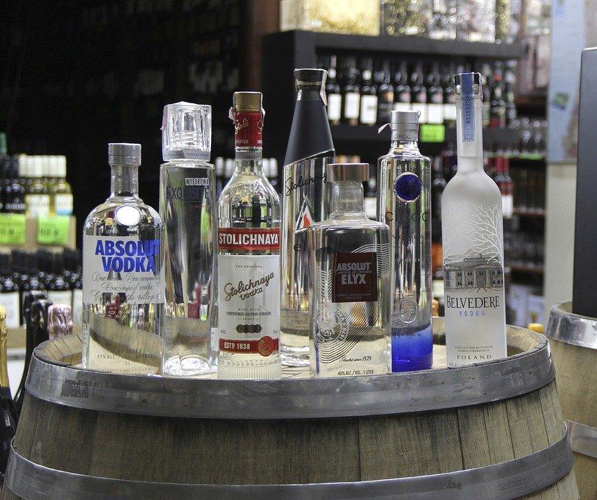 forskelligt udvalg af vodka